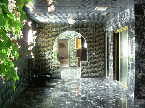 Now that's a busy bathroom!