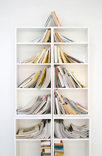 Bookshelf holiday tree