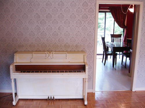 painted piano 1