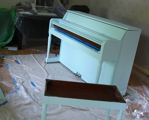 painted piano blued