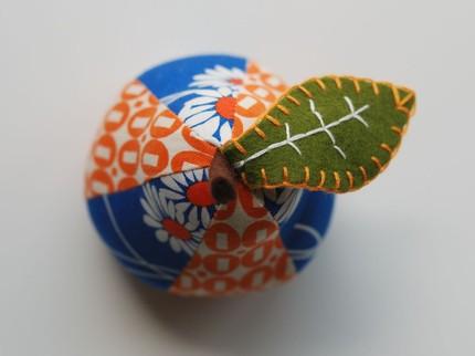 vintage pincushions 6