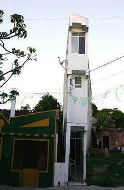 narrow house brazil