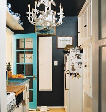 http://manolohome.com/wordpress/wp-content/uploads/2010/01/turquoise-door.jpg